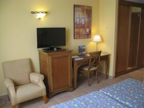 "Room – ""Hotel Gudamendi"""