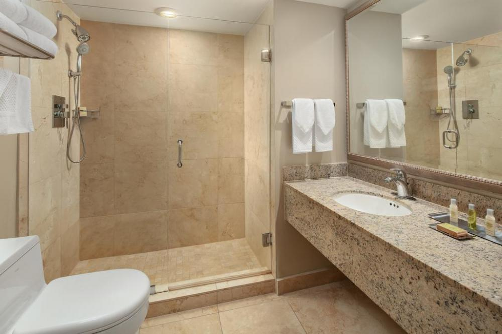 Doubletree By Hilton Grand Hotel Biscayne Bay Miami Reserving Com
