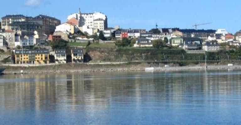 Foto Alcorcón: Vista de Ribadeo desde el mar