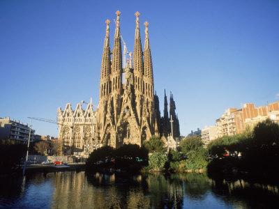La sagrada familia tu hotel en for Hoteles en barcelona centro para familias