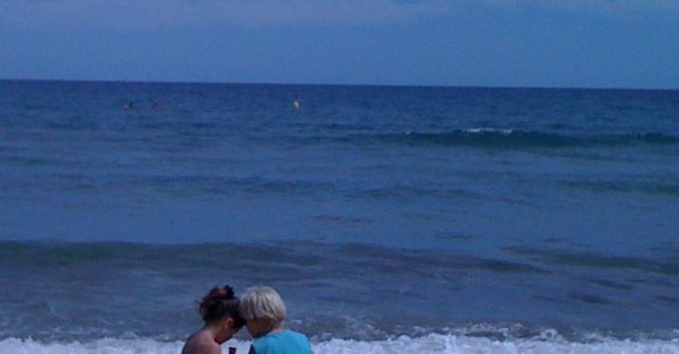 Fotografia de Calafell: Niños en la playa de Calafell