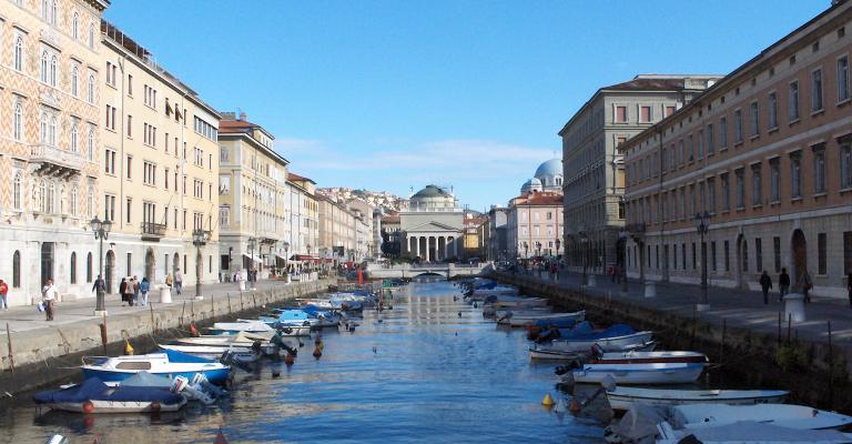 Fotografía de Friuli-Venecia Julia: Canal en Trieste