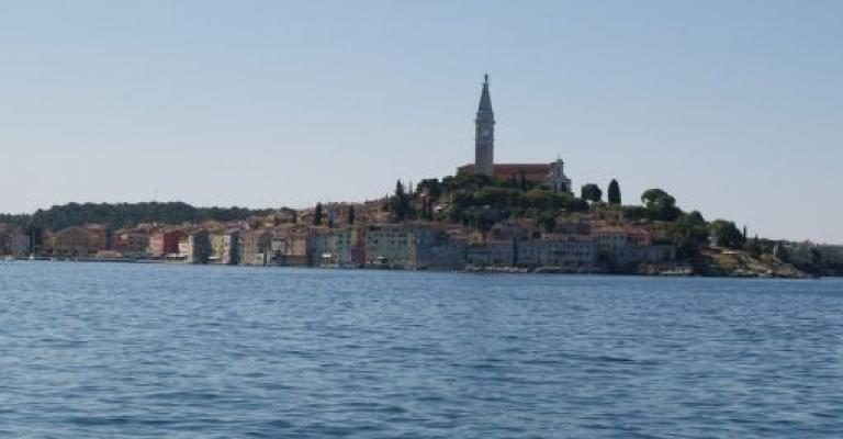 Foto von Rovinj: Vista desde el puerto
