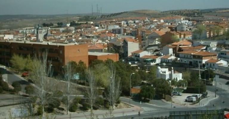Hoteles en arganda del rey madrid tu hotel en for Piscina arganda del rey