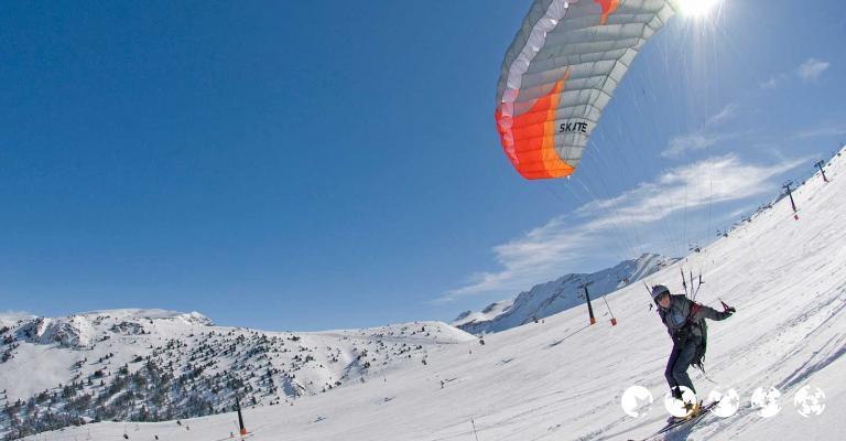 Fotografía de : Esquí con parapente. Pista Cogulla