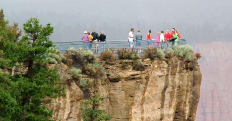 Photo : Mirador en las Montañas Rocosas