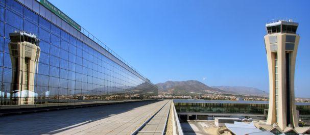 Hoteles cerca de aeropuerto de m laga costa del sol for Horario oficina correos malaga